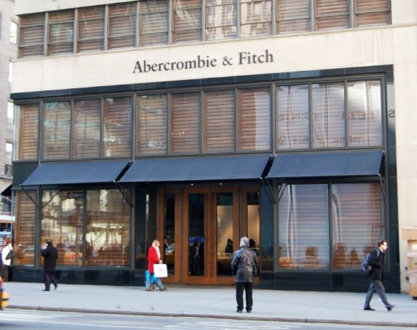 Abercrombie_&_Fitch_Fifth_Avenue_crop